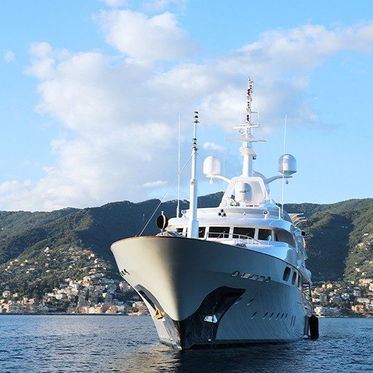 Starfire superyacht on the ocean equipped with Viasat maritime internet
