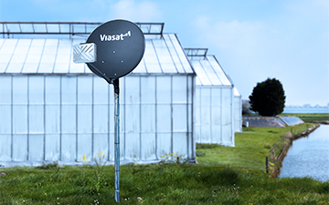 A pole mount example with a Viasat satellite dish installation